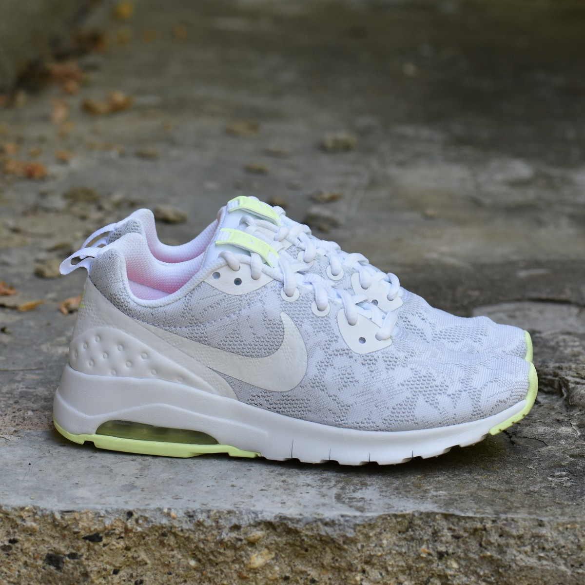 boutique dámské sneakersy boty nike air max motion lw